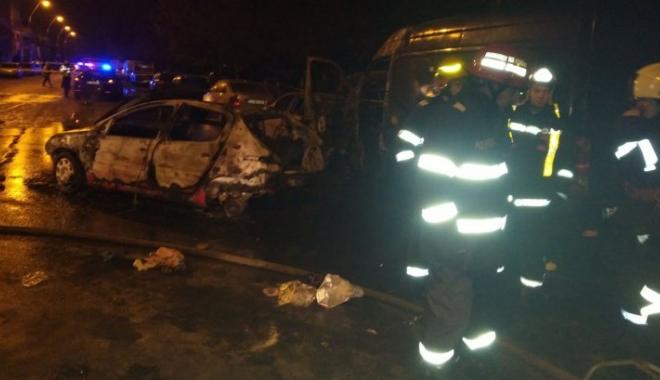 Foto: Accident GRAV! Patru maşini au luat foc, în urma impactului. O persoană a murit