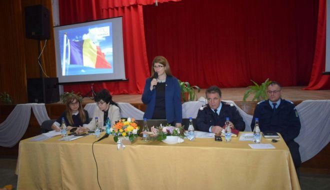 GALERIE FOTO / Directorii de unităţi de învăţământ din Constanţa, şedinţă cu conducerea ISJ - 20180424photo00000177-1524566947.jpg