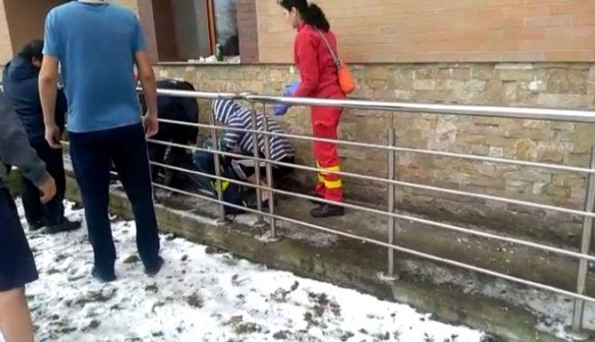 Foto: Tentativă de suicid la Constanța! Un bărbat s-a aruncat de la etaj