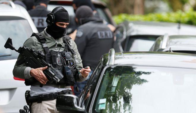 Atac mortal! Doi bărbați s-au reprezit cu cuțitele asupra oamenilor, chiar în stație - 20190527t134729z1lynxnpef4q0w9rt-1567325593.jpg
