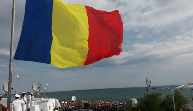 Foto: GALERIE FOTO-VIDEO. CONSTANŢA SĂRBĂTOREŞTE ZIUA MARINEI! Exerciţii militare IMPRESIONANTE, la malul mării