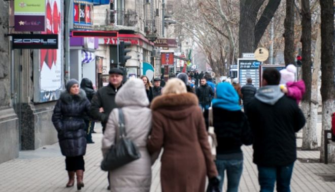 Foto: Studiu: 37% dintre români trăiesc de pe o zi pe alta