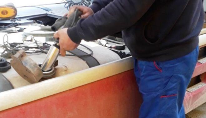 PERCHEZIȚII în județul Constanța. Kerosen furat dintr-o cisternă, vândut de suspecți! - 20aprperchezitiikogalniceanu1-1618910347.jpg