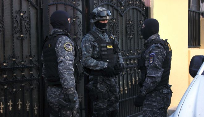 """PERCHEZIȚII la evazioniști din Constanța. Făceau firme """"fantomă"""" pentru lucrări de reabilitare! - 20octperchezitii-1603176663.jpg"""