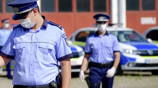 Polițiștii, în control în școlile și grădinițele din Constanța: verifică măsurile împotriva COVID 19! - 20octpolitiainscoli-1603180679.jpg