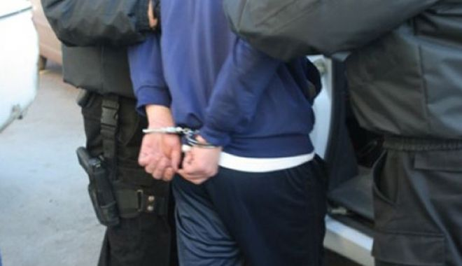 Foto: Bărbat de 44 de ani, urmărit internaţional pentru comiterea a cinci infracţiuni în Italia, prins la Constanţa