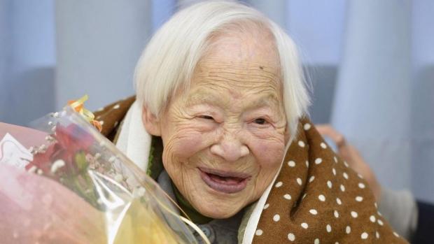 Foto: Numărul persoanelor de peste 100 de ani este în permanentă creştere, apropiindu-se de 70.000