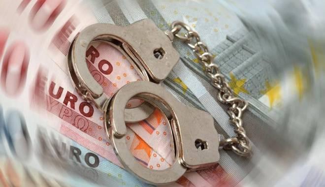 Foto: Afaceristă condamnată la închisoare pentru înşelăciune şi fals