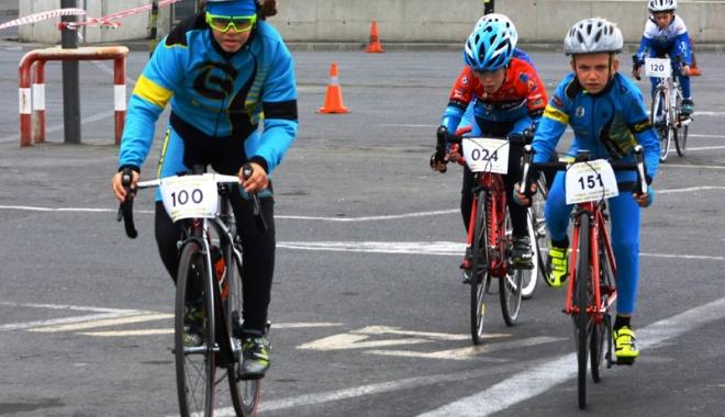 Foto: Câştigătorii  ultimei etape  a Cupei Mării Negre la ciclism