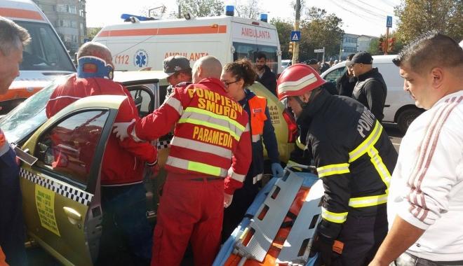 Foto: GRAV ACCIDENT RUTIER ÎN ZONA ICIL. Care este starea victimelor