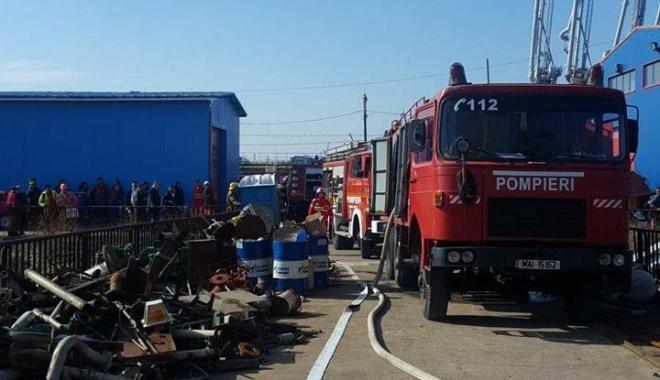 Foto: Incendiu în Portul Constanţa!