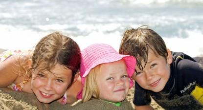 Foto: Insolaţia poate pune în pericol viaţa copiilor mici