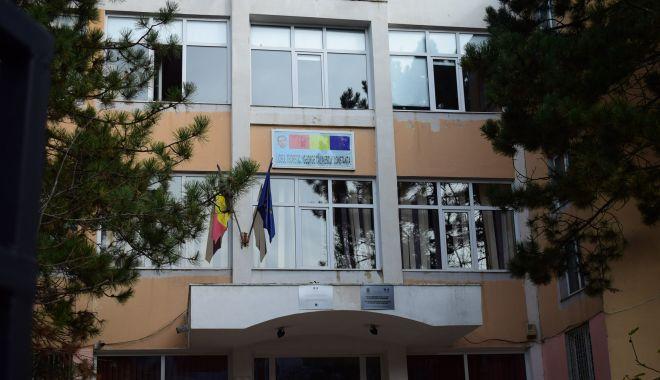 Foto: Noutăți despre elevul căzut de la etajul unei școli din Constanța