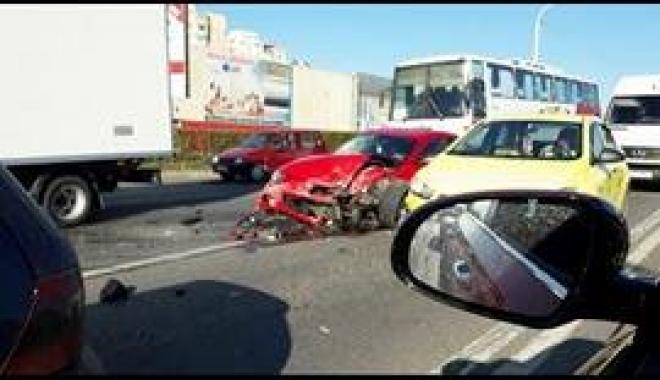 Foto: Şoferul care a produs accidentul de la Doraly a fugit de poliţie!