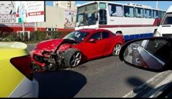Foto: UPDATE - ACCIDENT CU TREI PERSOANE ÎNCARCERATE, LA DORALY
