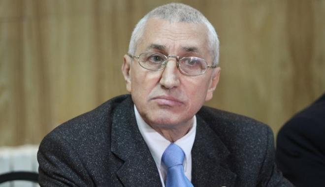 Ilie Floroiu, directorul CS Farul Constanţa, propus cetăţean de onoare al Municipiului Constanţa - 23804740150932345915980917741762-1511291912.jpg