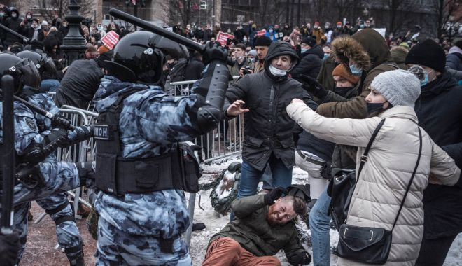 Jean-Yves Le Drian: Arestările la protestele pro-Navalnîi sunt o atingere ''insuportabilă'' adusă statului de drept - 23navalnyprotests13mobilemastera-1611504516.jpg