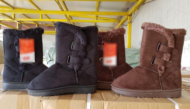Foto: Articole contrafăcute, în valoare de peste 1.700.000 lei, confiscate în Portul Constanţa Sud Agigea