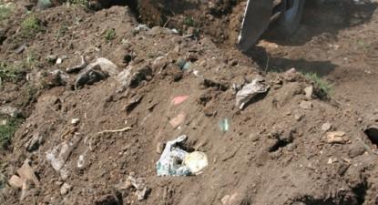 Foto: Primarii constănţeni aşteaptă înfiinţarea staţiilor de transfer pentru a astupa gropile de gunoi