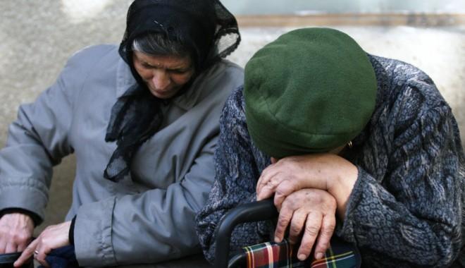 Foto: Pensiile, plătite în avans în luna decembrie