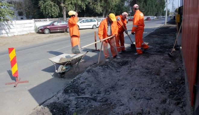 Foto: Confort Urban repară trotuarele din Constanţa. În ce zone au loc lucrări