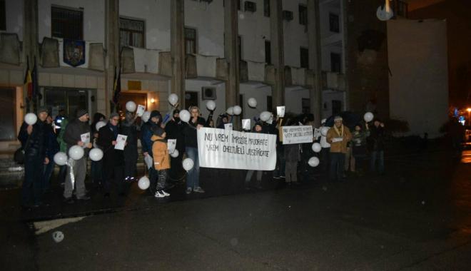 """Foto: Galerie foto-video / CONSTANŢA PROTESTEAZĂ: """"Nu vrem impozite majorate, vrem cheltuieli justificate"""""""