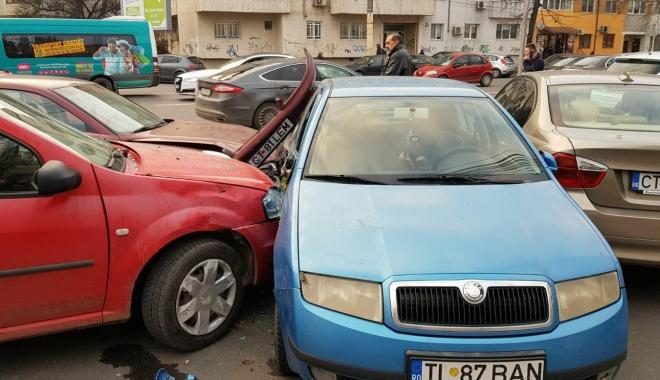 Foto: Galerie foto / Accident rutier cu 5 maşini implicate, la Constanţa. Traficul este îngreunat între Dacia şi Trocadero