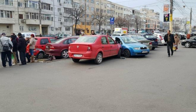 Galerie foto / Accident rutier cu 5 maşini implicate, la Constanţa. Traficul este îngreunat între Dacia şi Trocadero - 25590267154452588563414315262134-1513777889.jpg