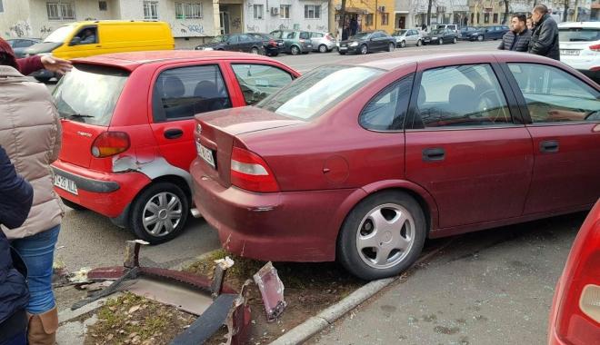 Galerie foto / Accident rutier cu 5 maşini implicate, la Constanţa. Traficul este îngreunat între Dacia şi Trocadero - 25592906154452584230081414719587-1513777895.jpg
