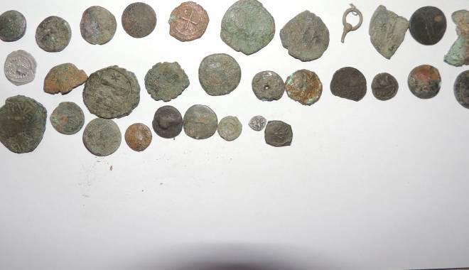 Galerie FOTO. Hoții, interesați de comorile istorice ale Constanței - 25februariecetatecius3-1424866908.jpg