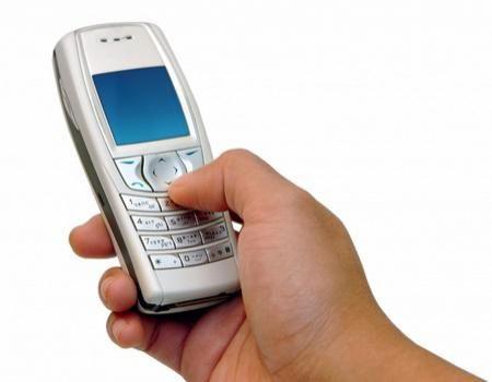 Ați da telefonul mobil din mână, unui necunoscut, pe stradă? - 25februariefurtstradatelefon-1424872337.jpg
