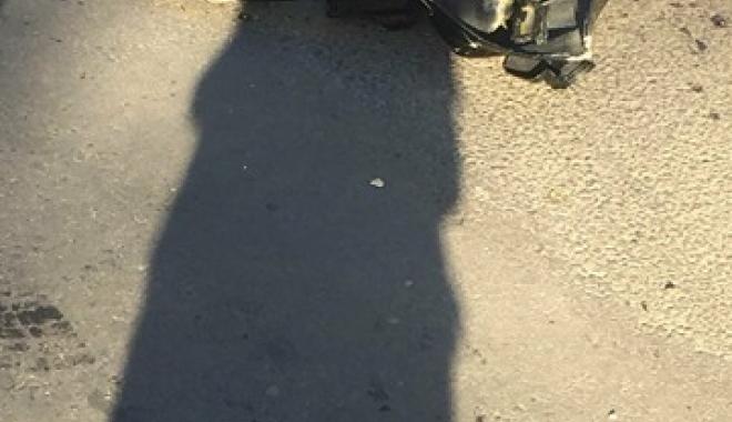 Accident între un autoturism şi o motocicletă, în municipiul Constanţa - 26133346155097819498891278082123-1514378252.jpg