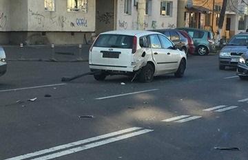 Accident între un autoturism şi o motocicletă, în municipiul Constanţa - 26174739155097819165557919032362-1514378232.jpg