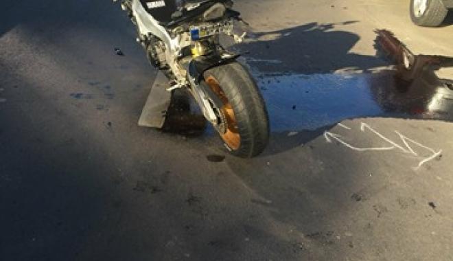 Foto: Accident între un autoturism şi o motocicletă, în municipiul Constanţa