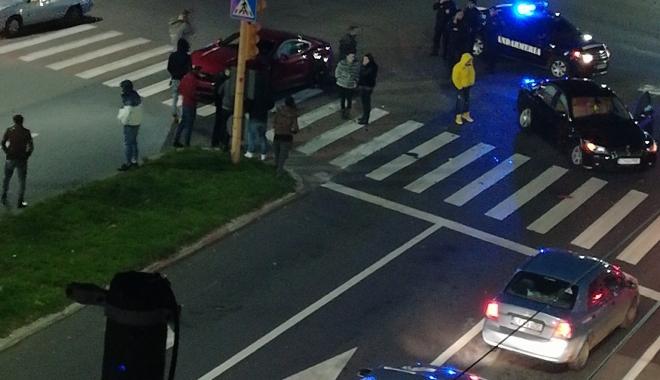 Foto: Accident rutier noaptea trecută în zona Capitol
