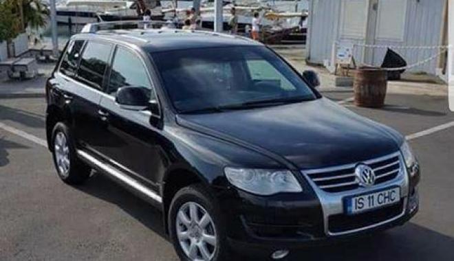 Foto: GALERIE FOTO / Volkswagen-ul unui constănțean, furat din parcare. Hoții au fost prinși la frontiera din Arad