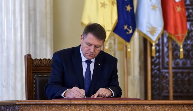 Foto: Preşedintele Iohannis a semnat decretul privind desemnarea lui Mihai Tudose prim-ministru