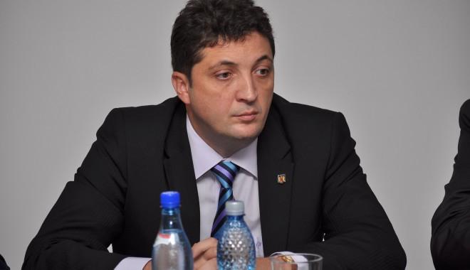 Șeful Poliției Constanța are mână liberă să înlocuiască din funcții pe cine vrea - 26octombrieliviupopaburlacu-1319630272.jpg