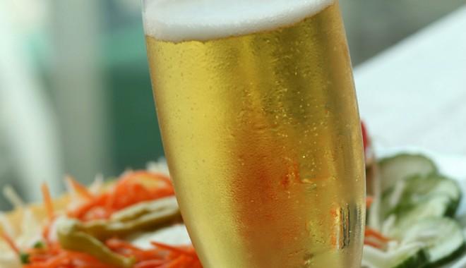 Foto: Ce băutură foarte populară ne face mai veseli
