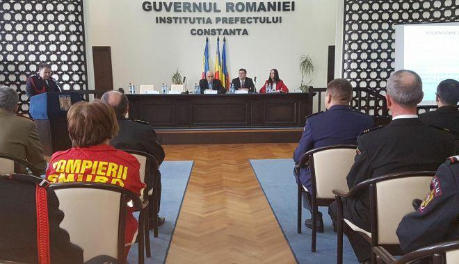 """Foto: ISU """"Dobrogea"""", la ora bilanţului. Care sunt cele mai mari probleme ale pompierilor"""