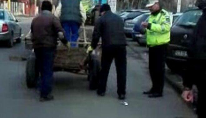 Foto: Căruţele din Constanţa, verificate de poliţiştii locali. Amenzi şi utilaje confiscate, după control