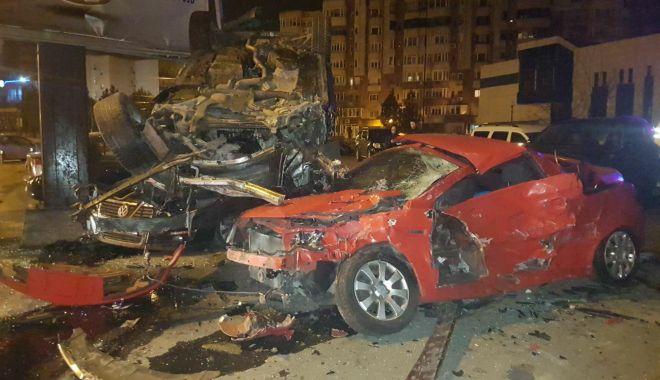 GALERIE FOTO / ACCIDENT RUTIER SPECTACULOS la Constanţa. 10 mașini implicate - 27999339172685250067086282937724-1518482840.jpg