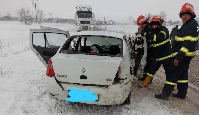 GALERIE FOTO / VIDEO. ACCIDENT GRAV LA HÂRȘOVA: COPIL ÎN COMĂ și trei adulți răniți! - 27accidentcoma1-1611750432.jpg