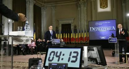 """Foto: Pesedistul Mircea Geoană se relaxează acasă la """"maleficul"""" Sorin Ovidiu Vântu"""