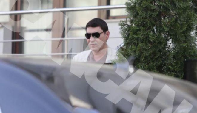 Foto: SE BUCURĂ LA MAXIM DE LIBERTATE! Cristi Borcea și-a luat bolid de 200.000 de euro!