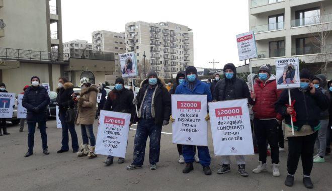 Reprezentanți din industria Horeca, protest împotriva condițiilor impuse de autorități - 280d469beda8402fbb9c490287271f90-1613470452.jpg