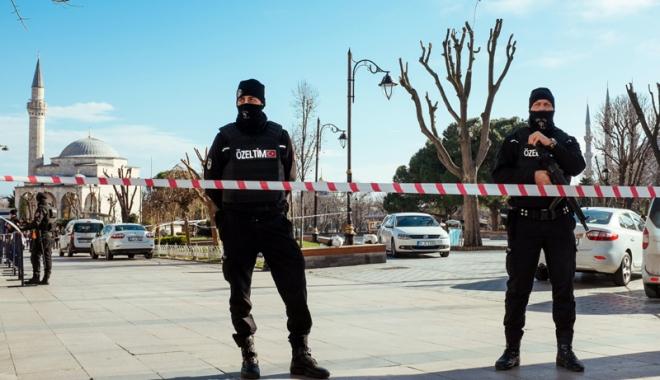 Foto: 283 de persoane arestate, în Turcia,  pentru presupuse legături cu Statul Islamic