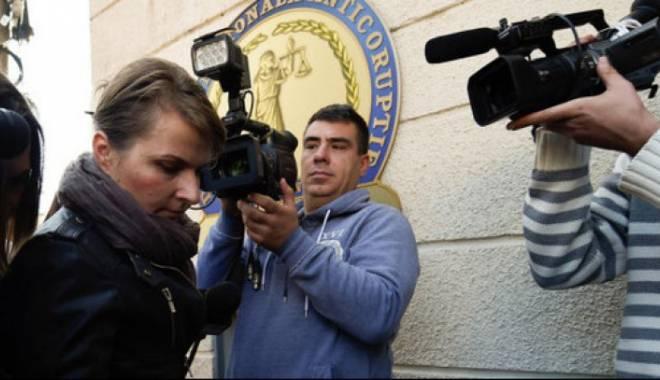 Foto: Angajata ISU care a verificat clubul Colectiv, arestată!