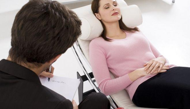 Aţi încercat vreodată hipnoterapia? Iată la ce vă poate ajuta!