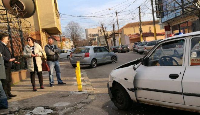 Foto: GRAV ACCIDENT RUTIER ÎN CONSTANŢA. CIRCULAŢIE BLOCATĂ pe strada Nicolae Iorga!